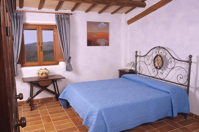 Casale Ripalta camera blu