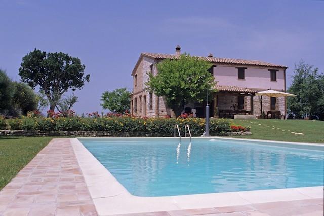 Casale Ripalta piscina e casale